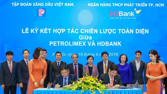 petrolimex issues plan for pg bank hdbank merger