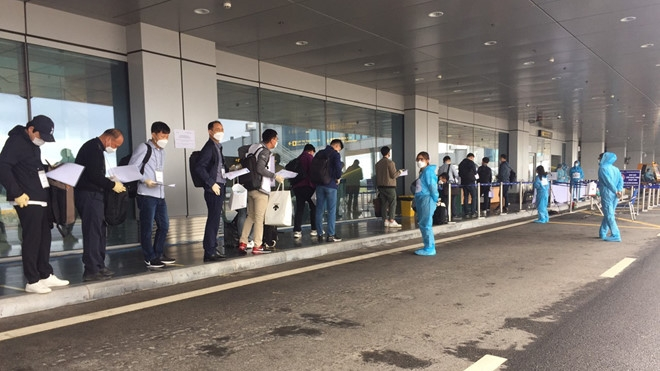 hundreds of lg experts from south korea isolated