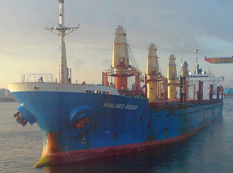 vinalines unable to rid itself of old vessels