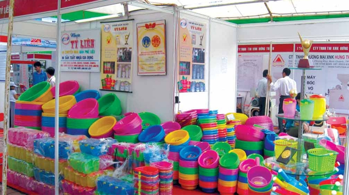 Vietnamese plastic sector gradually seized by foreign firms