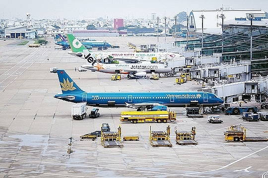 airlines boom as travellers opt to fly over overloaded infrastructure