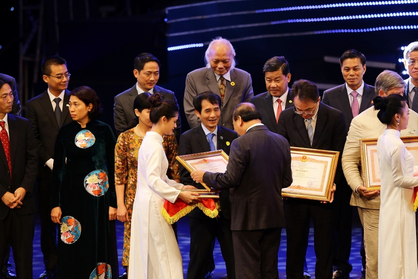 vir awarded merits and medal for outstanding achievements in fdi attraction