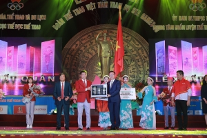 herbalife and olympic committee send off vietnamese team to sea games