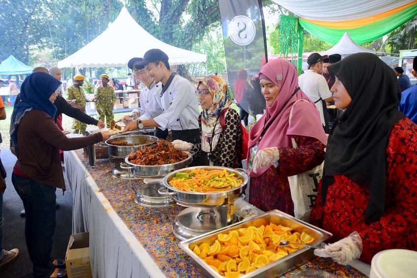 colourful malaysia hari raya aidilfitri 2019