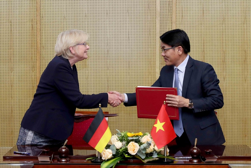 vietnamese german negotiations on green growth end in success