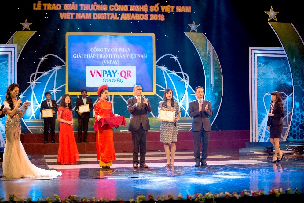 vnpay honoured at first ever vietnam digital awards