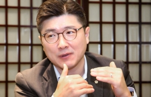 hanwha life vietnam ceo changed the way we think work and communicate with customers