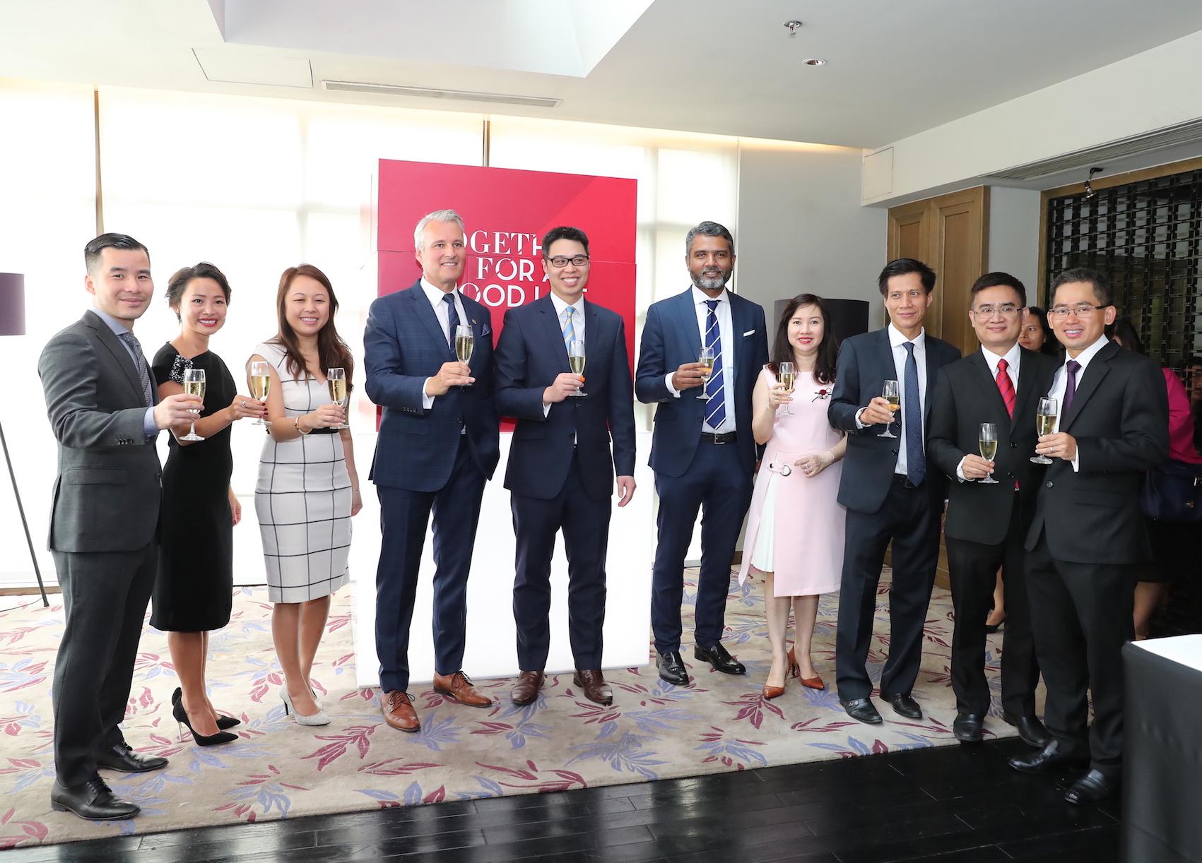 AIA and HSBC form new bancassurance partnership