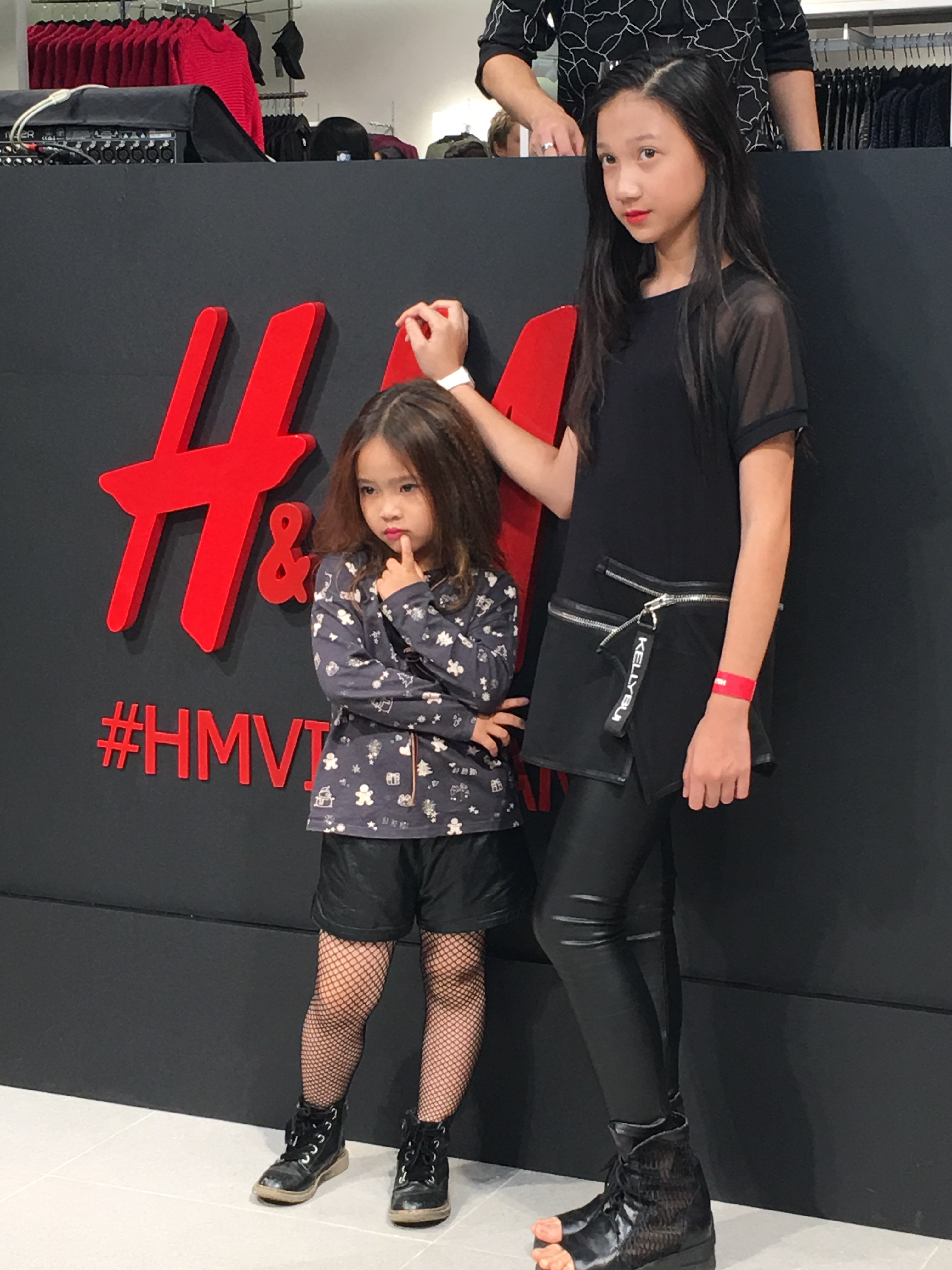 Thousands of people join H&M launch in Hanoi