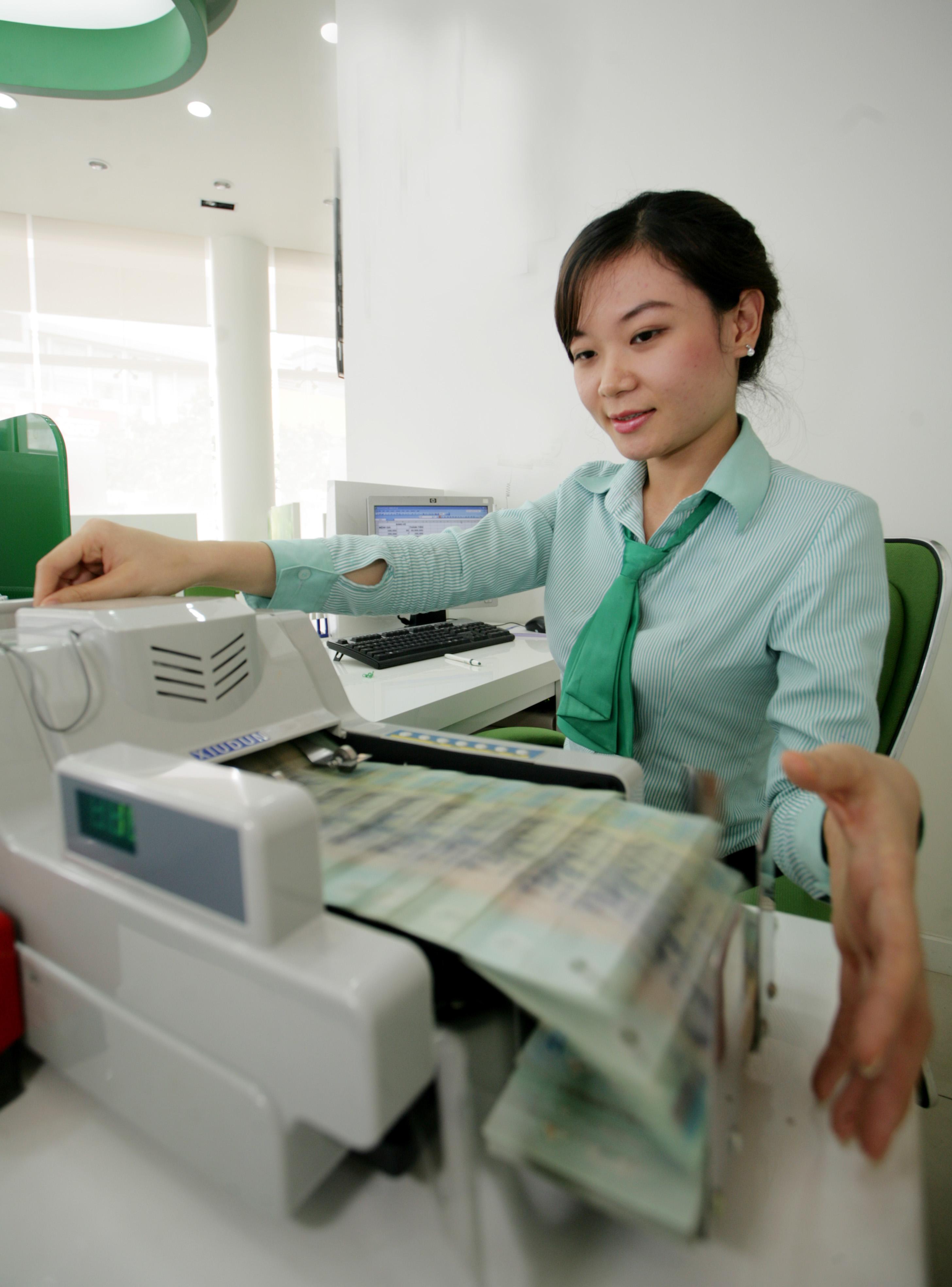 Government alleviates public debt concerns