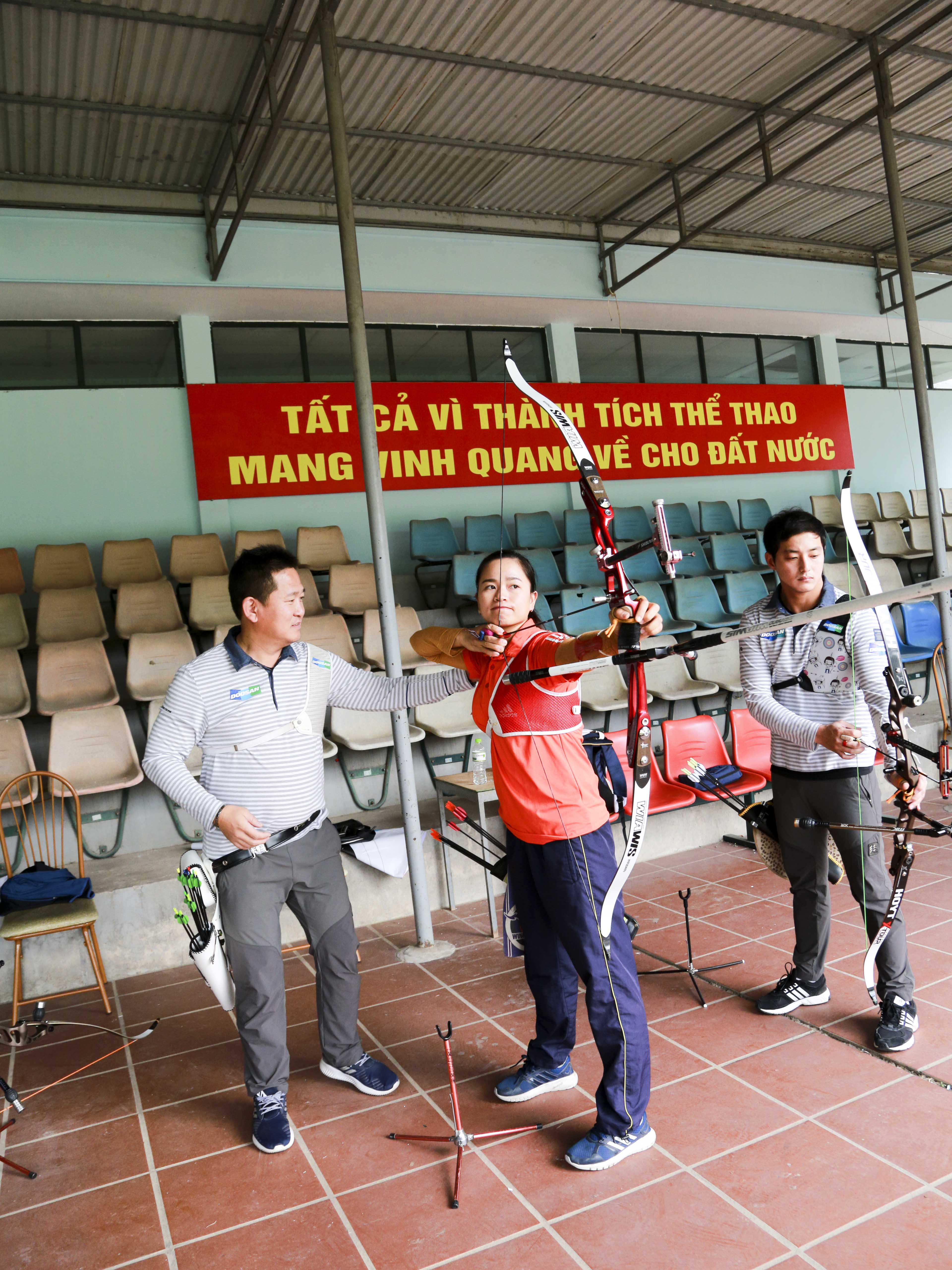 Doosan's Olympic silver medallist archers to train Vietnamese national team