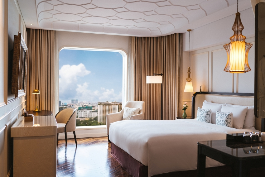 one stop staycation at hotel des arts saigon