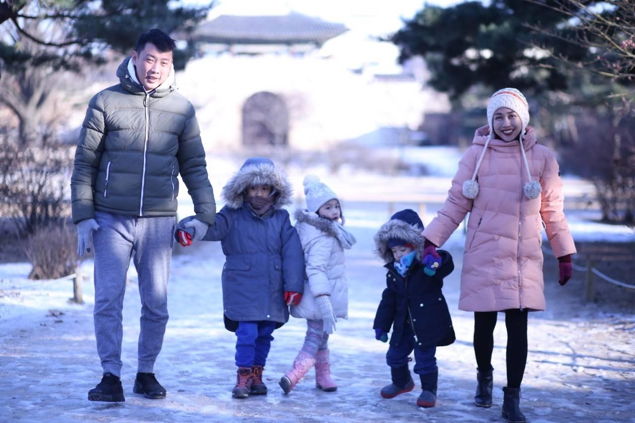 hello world 4 mummy daddy take me to korea