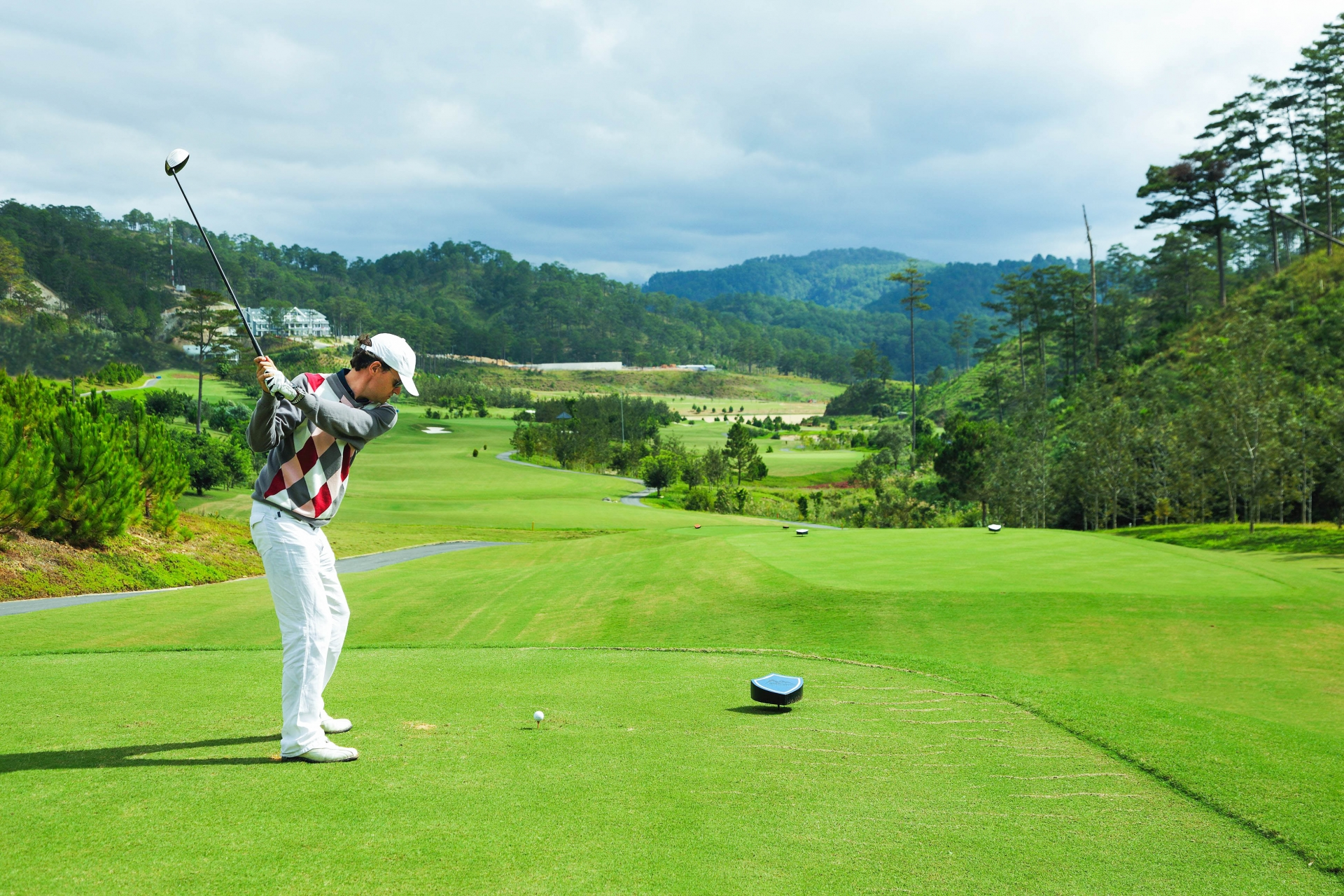 sam tuyen lam golf resort ready for its 2020 loyalty tournament