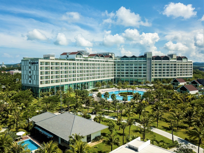 radisson blu resort phu quoc donates face masks and soap to give hope to community