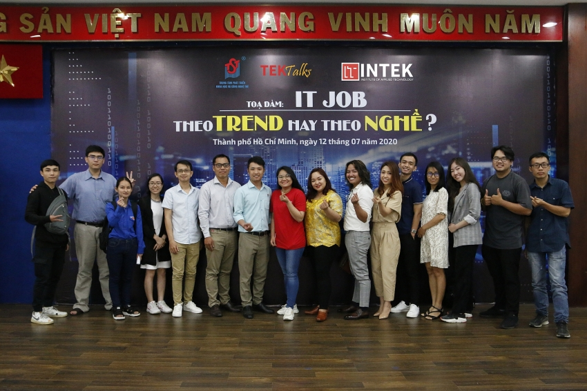 setting students on track for career in it