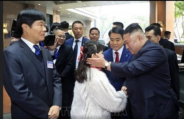 dprk chairman kim jong un arrives to vietnam