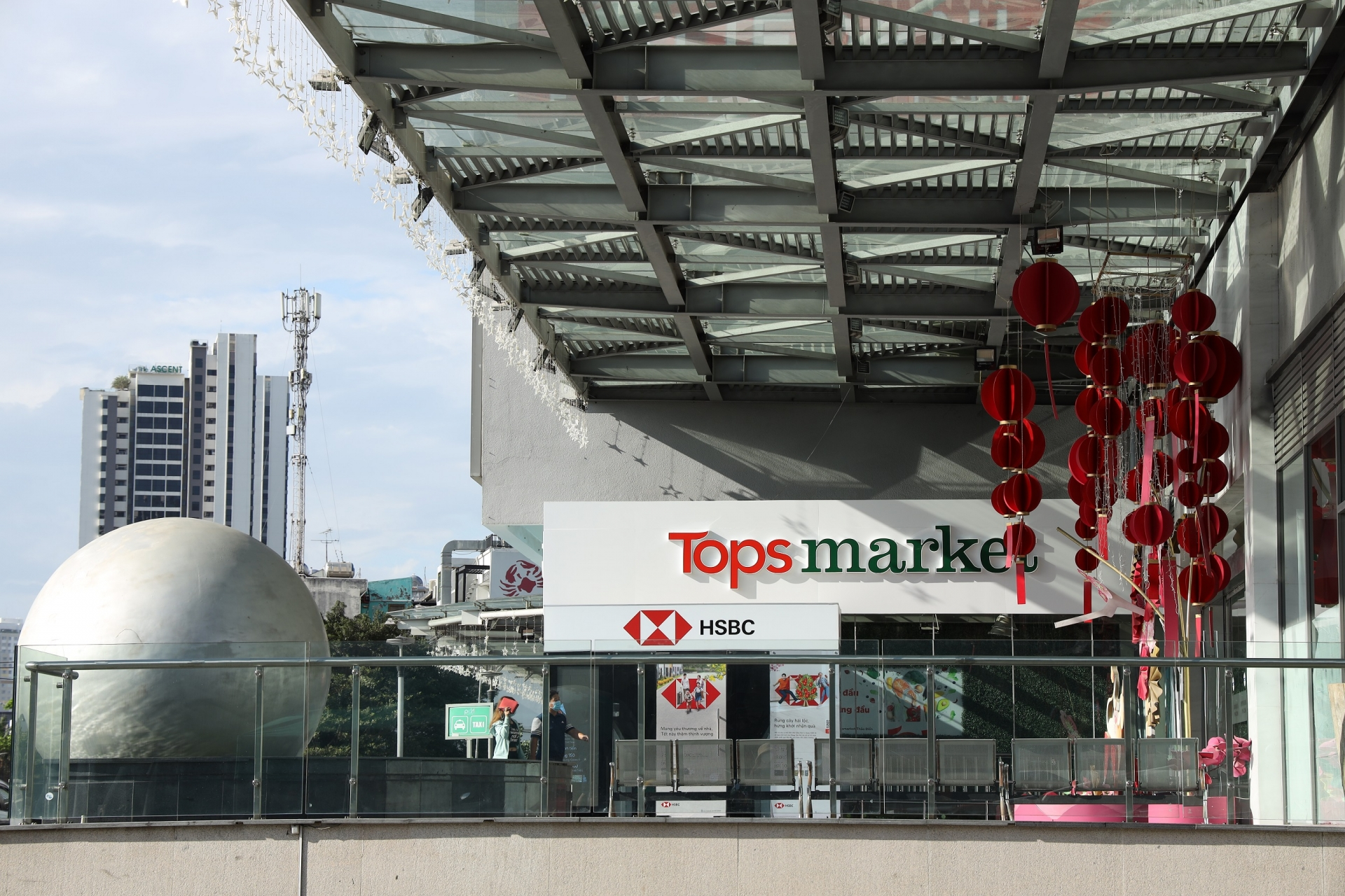 big c renamed to go and tops market in vietnam