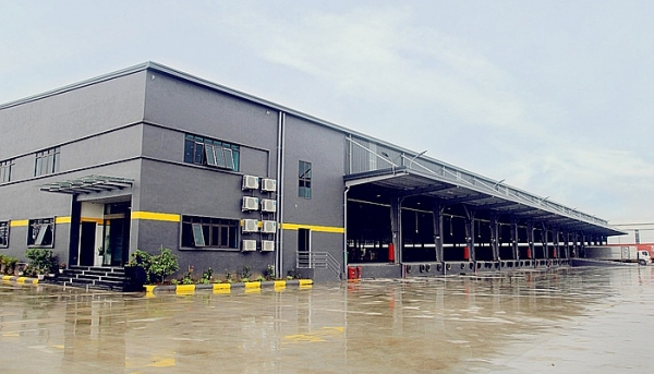 nhat tin logistics launches its 20000sqm sorting and classifying centre