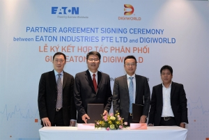 us eaton shakes hands with digiworld
