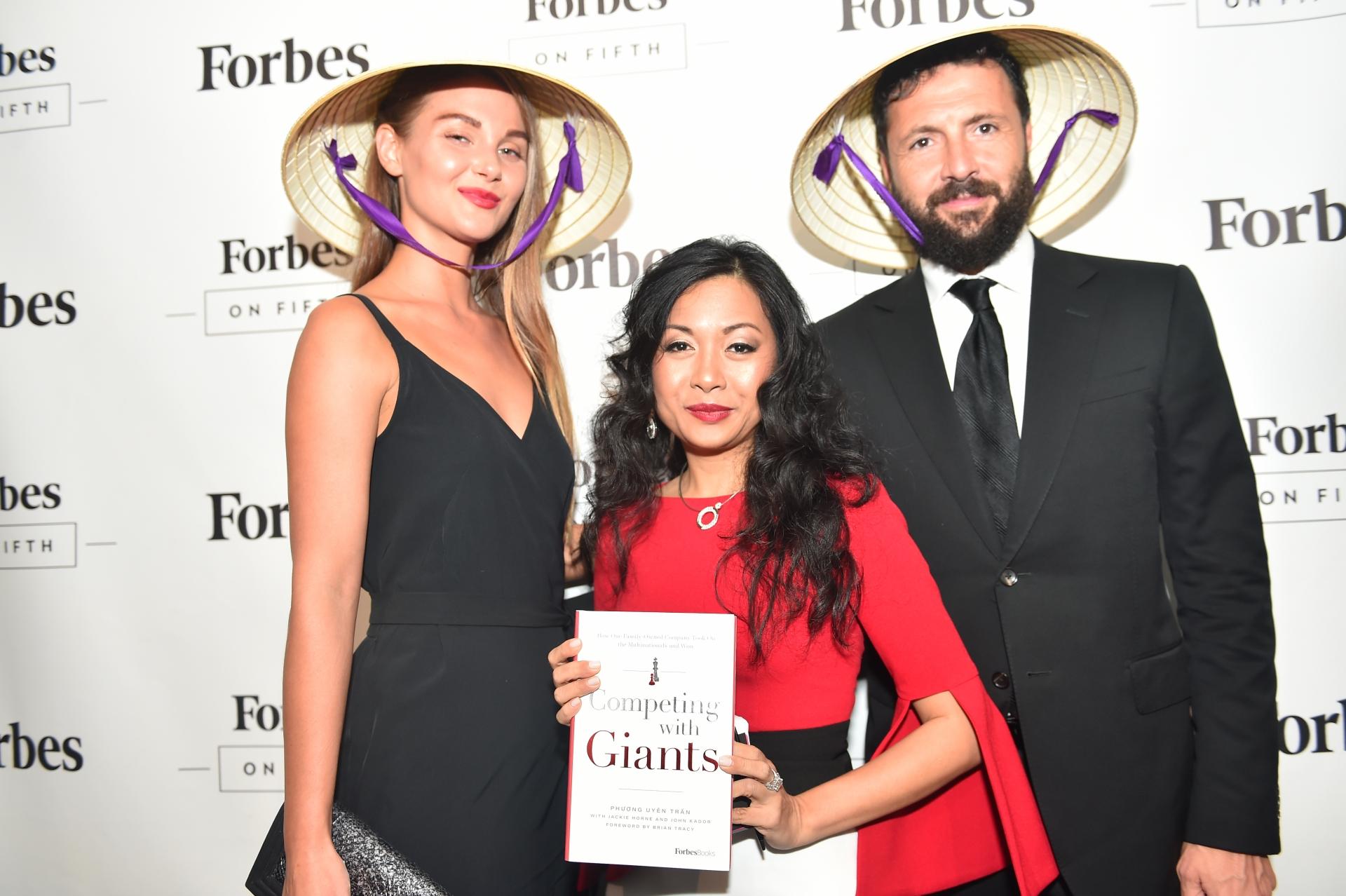 vietnamese businesswoman launches book in new york