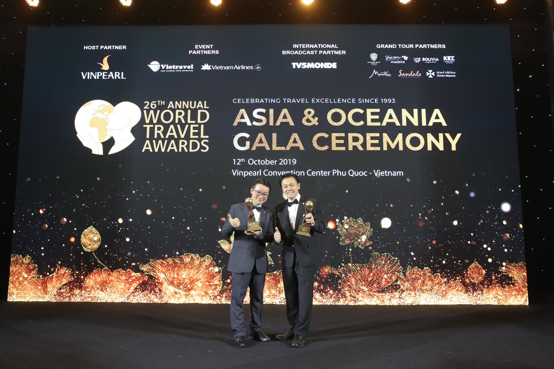 frasers hospitality bags six awards at 2019 wta for asia oceania