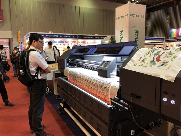 textile garment and footwear expos underway in ho chi minh city