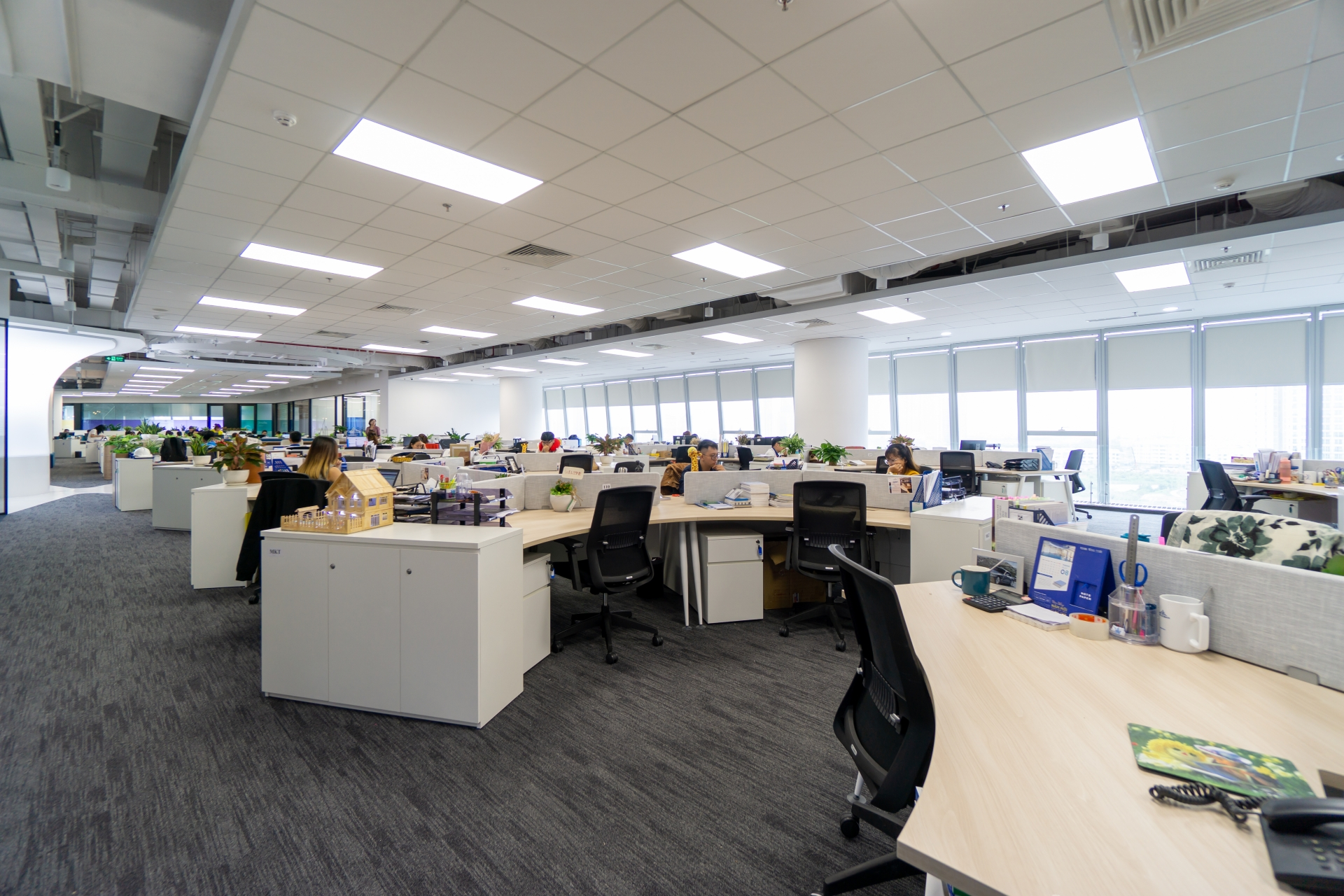saint gobain designs offices to improve productivity by 20 per cent