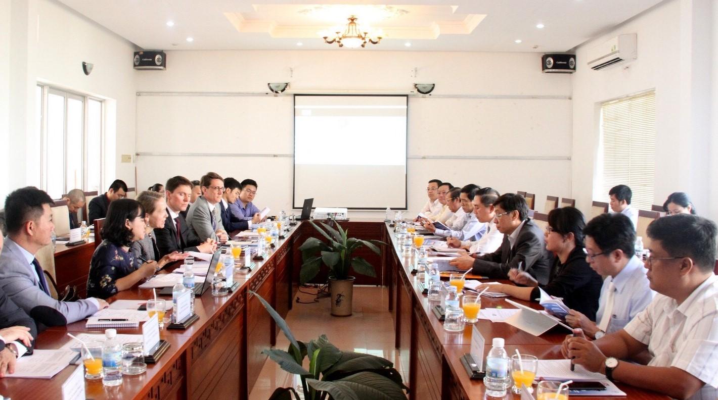 US companies explore smart city opportunties in Nha Trang, Da Nang and Hue