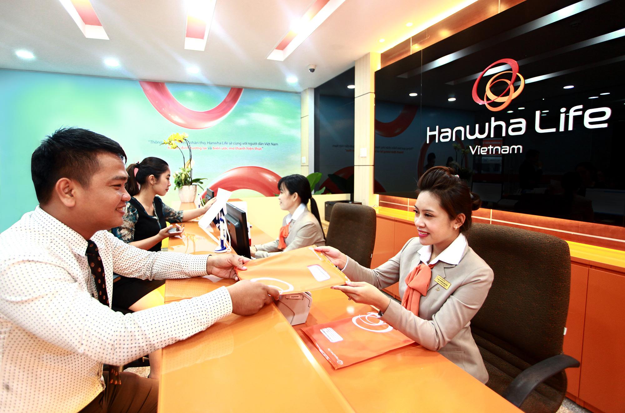 hanwha life vietnam opens 100th customer service center