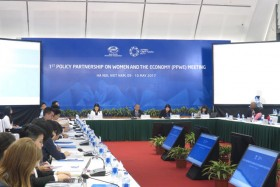 hanoi welcomes apec senior officials for second meeting