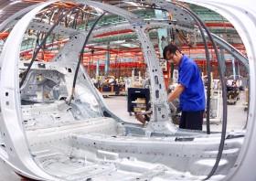 Car sales report heavy fall in April