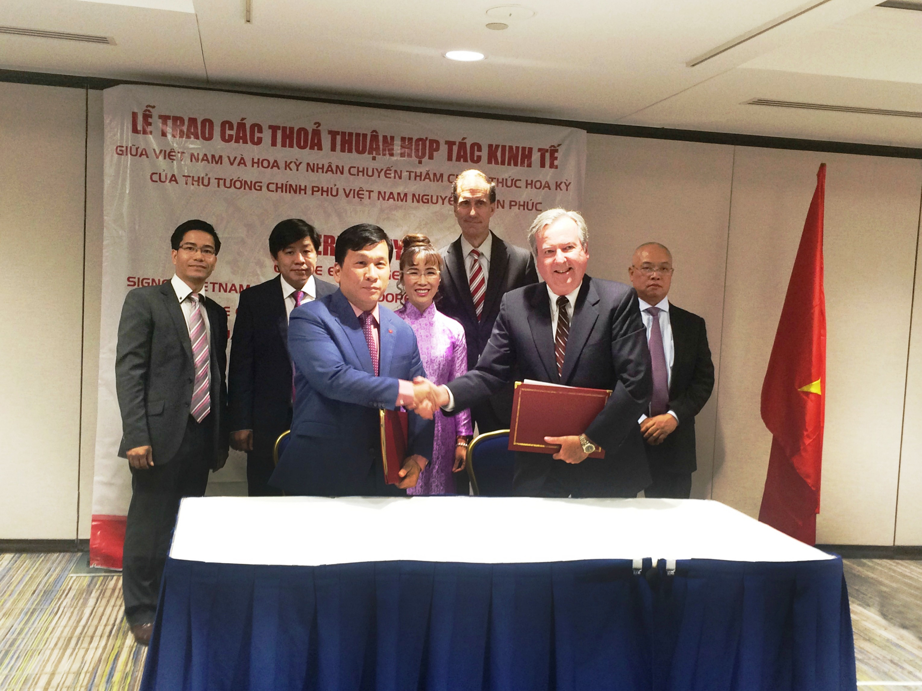 honeywell and vietjet sign again for 100 million