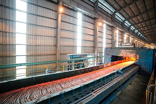 steel stock prices on rise despite unsatisfied warnings