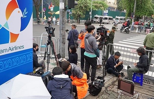 international media lining up to catch glimpse of kim jong un