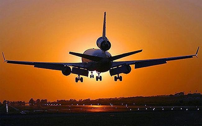 coronavirus put aviation tourism and oil and gas stocks on alert
