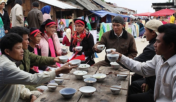 dao san market reflects a panorama of lai chau life