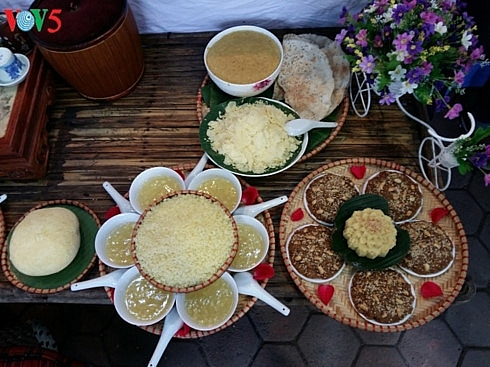 festival honors steamed sticky rice tradition in phu gia