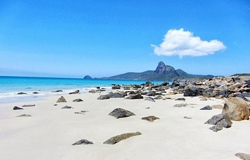 con dao beach among top 10 eco friendly beaches in southeast asia