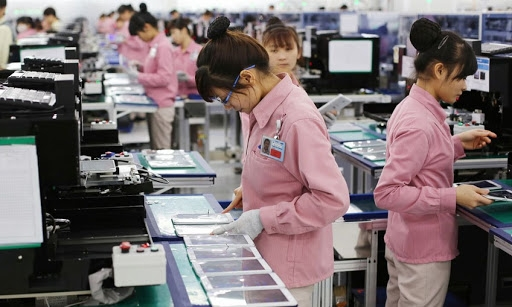 mobile devices and components lead vietnamese exports