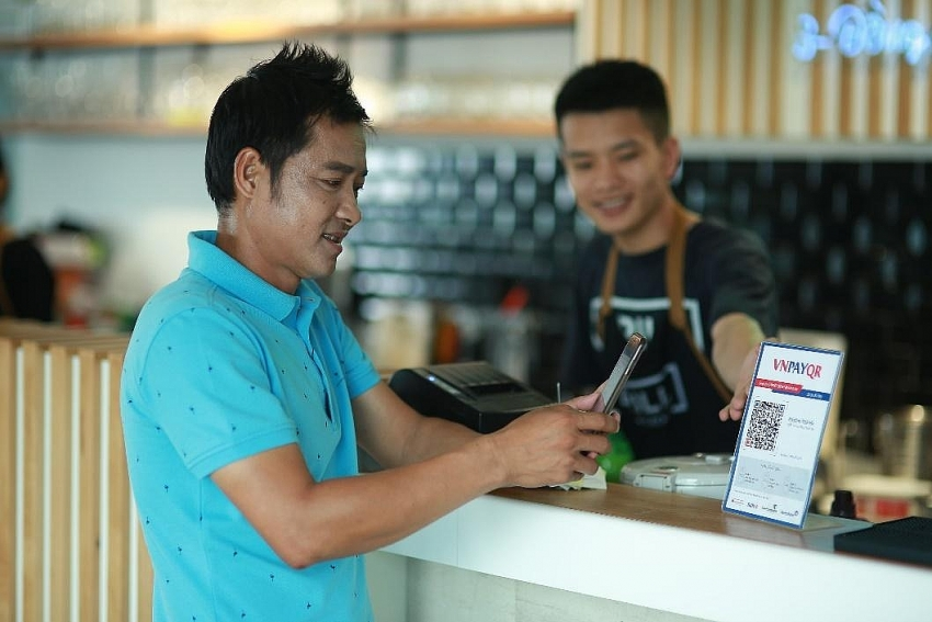 vnpay takes lead in qr payment trend