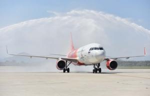 vietjet celebrates first flight from bangkok to danang