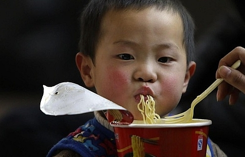 instant noodles put vietnam in danger of malnourishment
