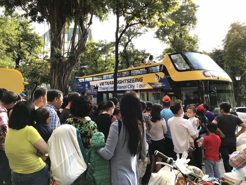 hanoi welcomes second double decker bus tour