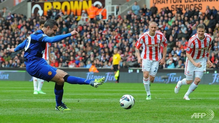 United dismiss Stoke to close in on title