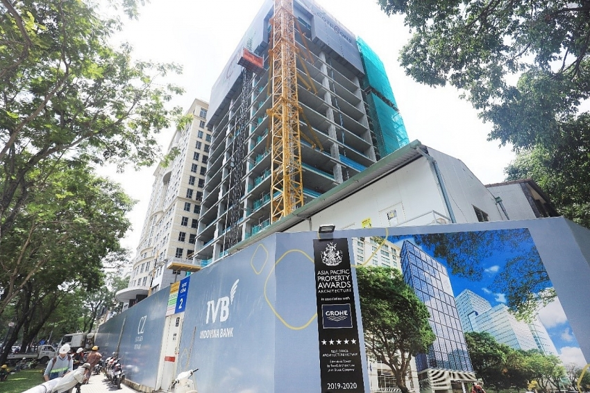 friendship tower grade a office building topped out