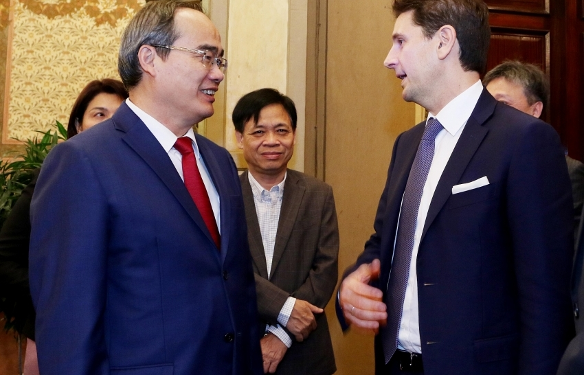 Ho Chi Minh City grant investment certificates to nine projects