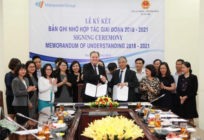 new mou shows manpowergroups drive to upskill vietnamese workforce for 40 era