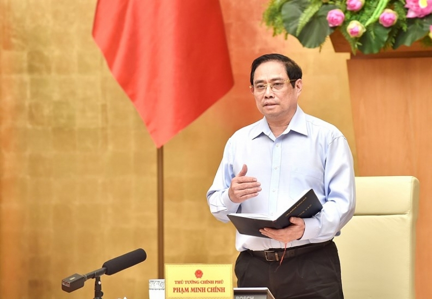 PM asks ministers to gear up efforts to ensure supply of necessities for COVID-19 fight