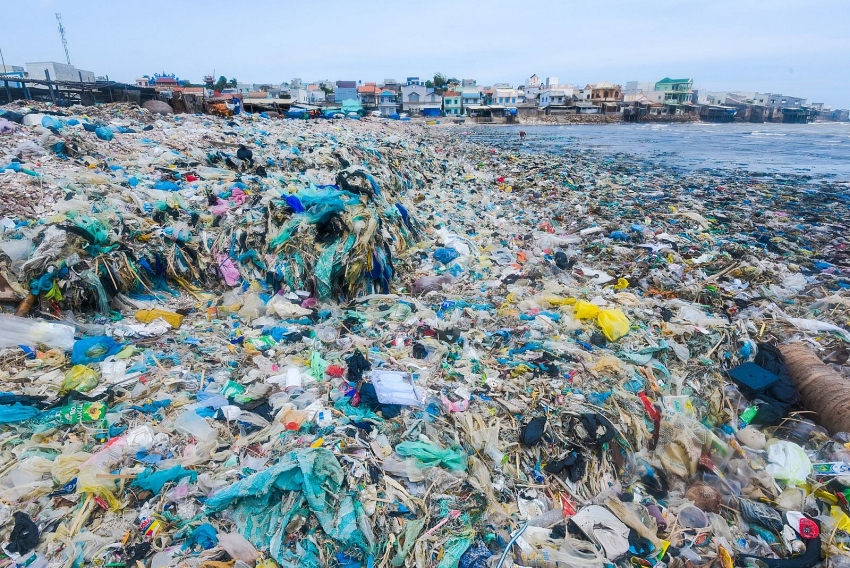 Vietnam approves scheme to intensify management of plastic waste by 2025